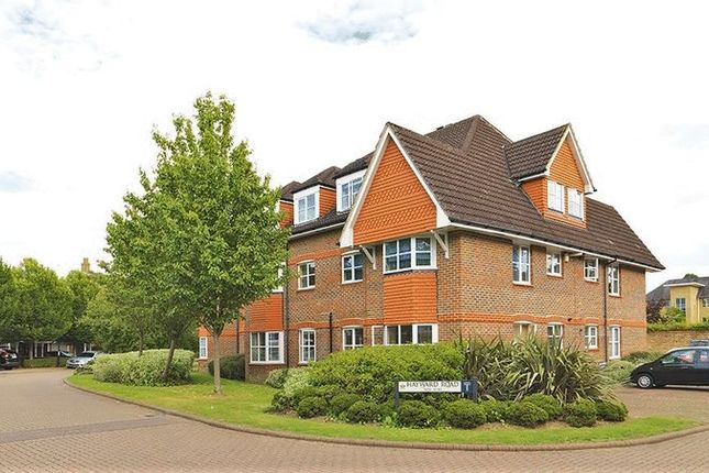 Flat for sale in Hayward Road, Thames Ditton