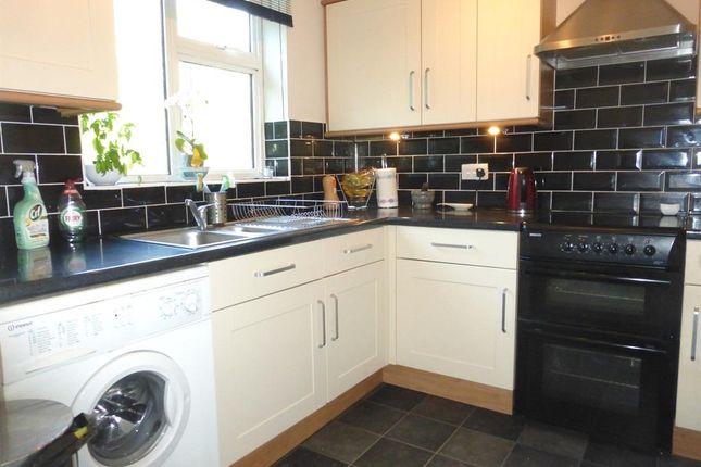 Kitchen of Nightingale Walk, Hemel Hempstead HP2