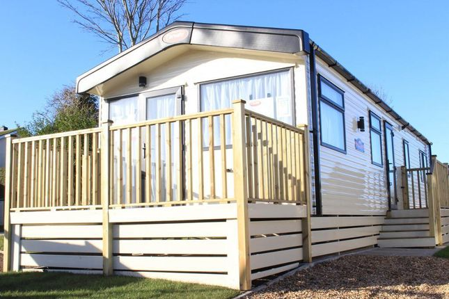 Thumbnail Mobile/park home for sale in Poolbrow Caravan Park, Poolfoot Lane, Poulton-Le-Fylde, Lancashire