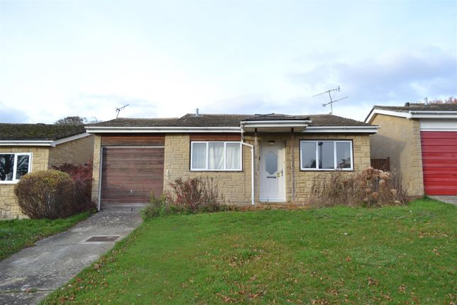 Thumbnail Detached bungalow for sale in Sandford Rise, Charlbury, Chipping Norton