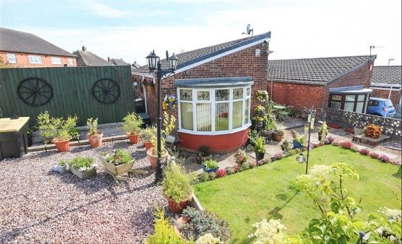 2 bed detached bungalow to rent in Clayfield Grove West, Adderley Green, Stoke-On-Trent