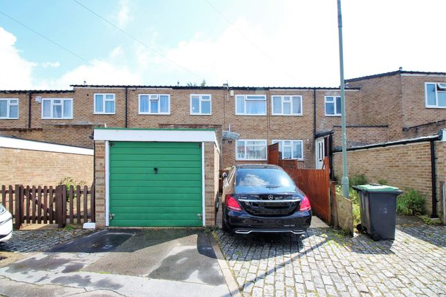 3 bedroom terraced house for sale in Yalding Grove, Orpington