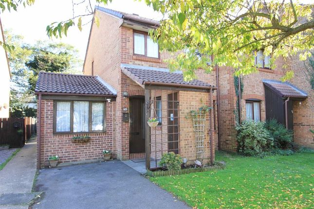 Thumbnail Semi-detached house for sale in Hawthorne Crescent, West Drayton, Middlesex