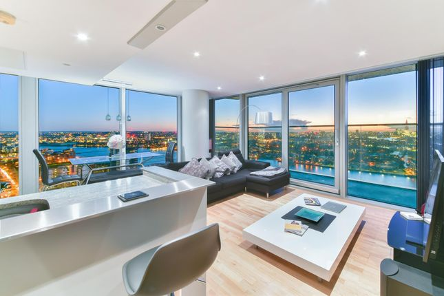 2 bed flat for sale in Landmark, West Tower, London