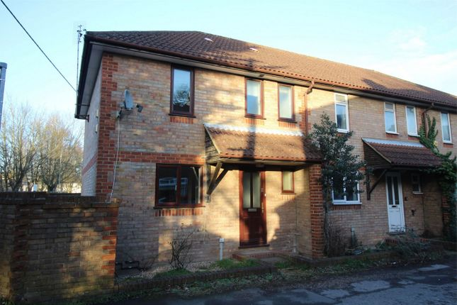 Thumbnail Semi-detached house to rent in Blenheim Close, Alton