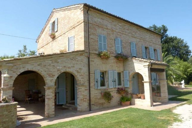 5 bed property for sale in Charming Farmhouse, Belmonte Piceno, Le Marche