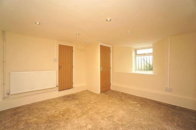 Basement Room of Nile Street, Broomhill, Sheffield S10