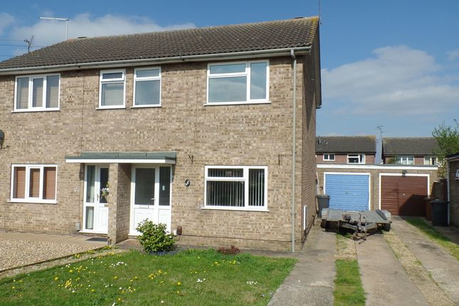 Thumbnail Property to rent in Borrowdale Close, Peterborough