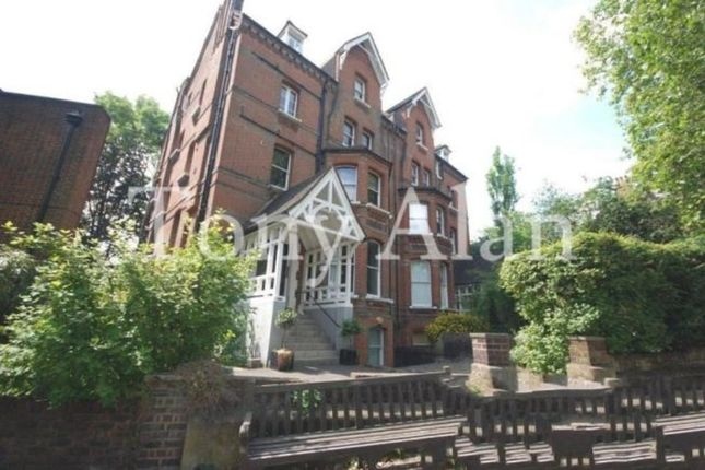 2 bed flat to rent in Fitzjohns Avenue, London