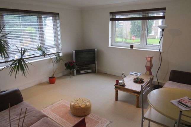 1 bed flat to rent in Sherringham Court Dollis Road, Finchley Central