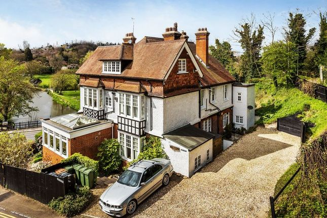 Thumbnail Flat for sale in Shalford Road, Guildford