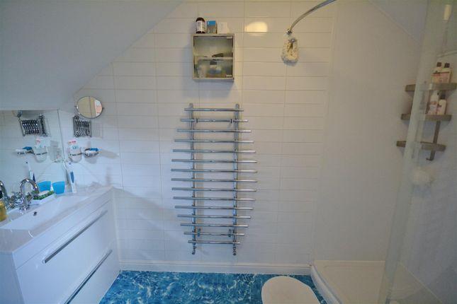 En-Suite Shower of Long Street, Newport SA42