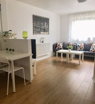Thumbnail Flat to rent in Dunsmore Close, Somerstown, Portsmouth, Hampshire