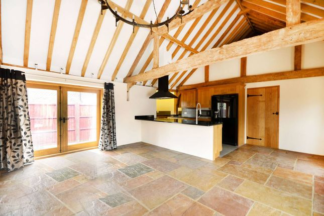 Thumbnail Barn conversion to rent in The Old Forge, Frosbury Farm, Gravetts Lane, Guildford