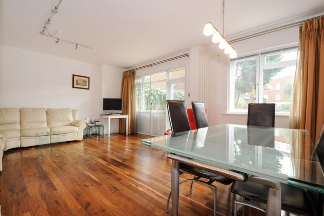 2 bed flat for sale in Byron Court, London NW6,