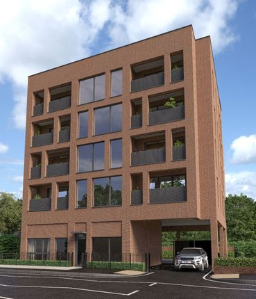 Thumbnail Flat for sale in 888, Romford