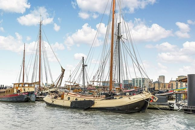 Thumbnail Houseboat for sale in Hermitage Community Moorings, Wapping