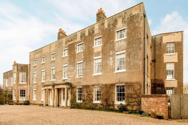 Thumbnail Flat to rent in Old Bath Road, Newbury