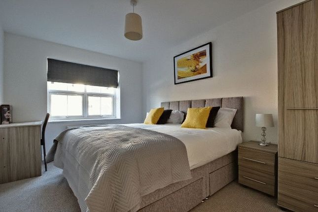 Thumbnail Shared accommodation to rent in Queens Court, Basford, Stoke-On-Trent