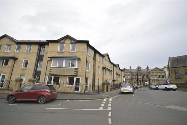 Thumbnail Flat to rent in Grosvenor Crescent, Scarborough