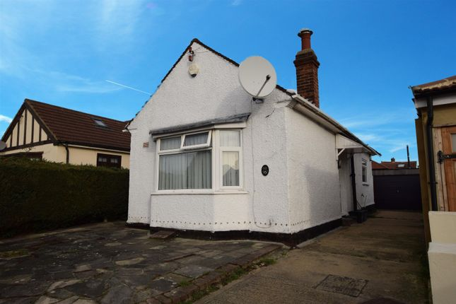 Thumbnail Semi-detached bungalow to rent in Dunspring Lane, Ilford