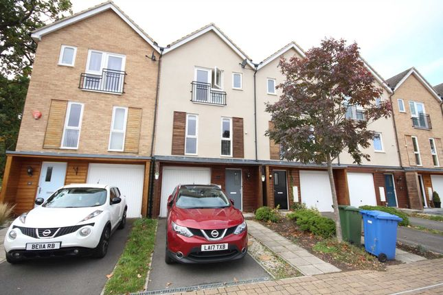 Thumbnail Town house to rent in Tempest Mews, Bracknell