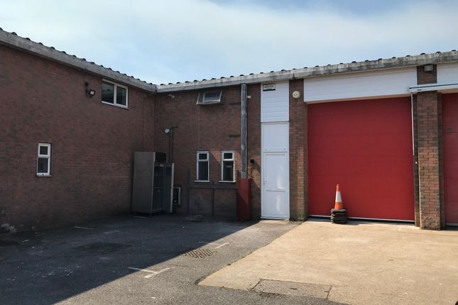 Light industrial to let in Hamworthy, Poole