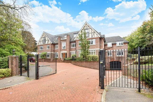 Thumbnail Flat to rent in Foxley Lane, Purley