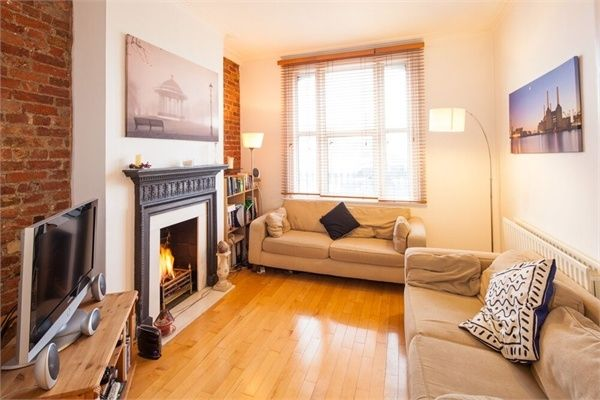 Thumbnail Terraced house to rent in Boundaries Road, London