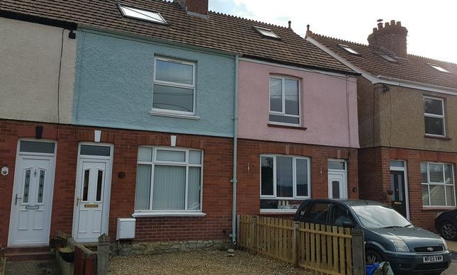 Thumbnail Terraced house to rent in Alexandra Road, Axminster