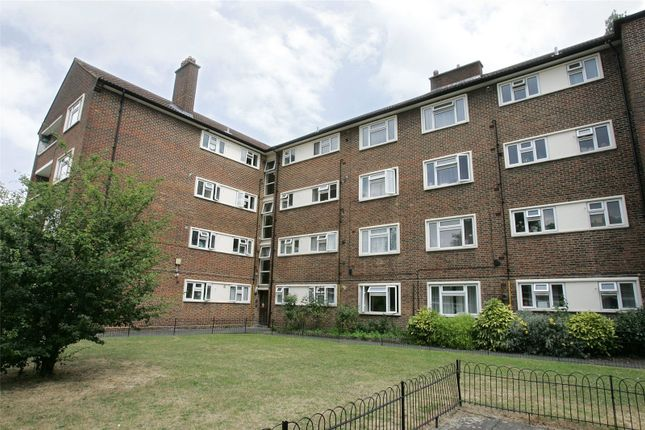 Thumbnail Flat to rent in Hawthorn Court, West Hall Road, Kew, Surrey