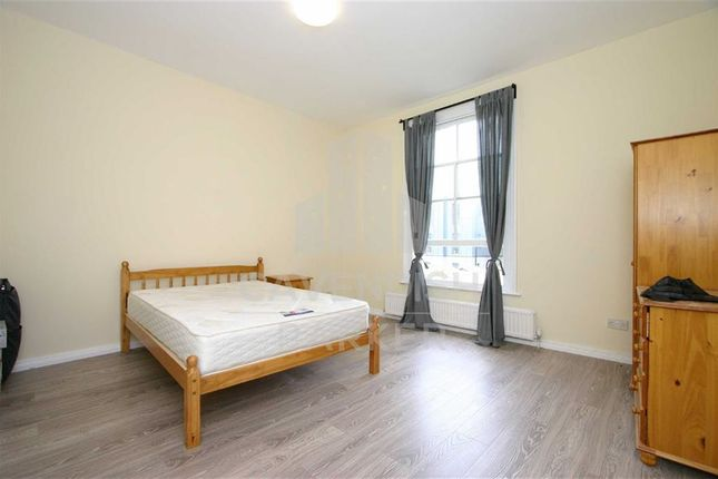 Thumbnail Flat to rent in Wilberforce Road, Finsbury Park, London