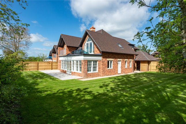 Thumbnail Detached house for sale in Fieldfare House, Vale View, Cumnor Hill, Oxford