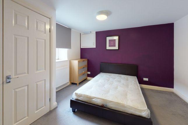 4 bed terraced house to rent in Highbury Road, Meanwood, Leeds LS6