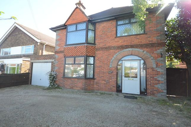 Thumbnail Detached house to rent in Butts Hill Road, Woodley, Reading