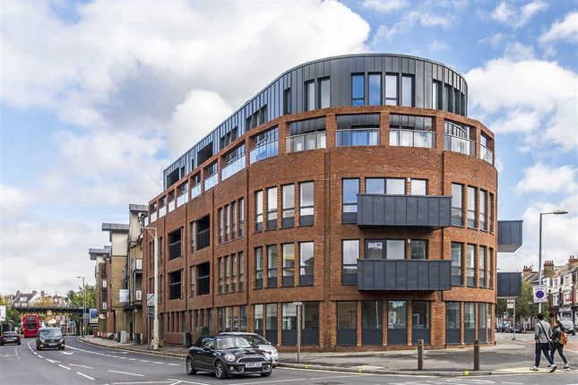 Thumbnail Flat for sale in Coombe Road, Norbiton, Kingston Upon Thames