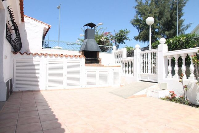 2 bed bungalow for sale in Playa Del Inglés, Las Palmas, Spain