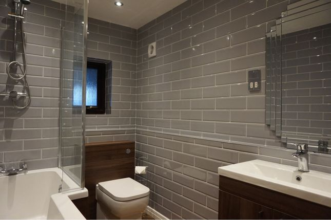 Bathroom of West Cliff Road, Broadstairs CT10