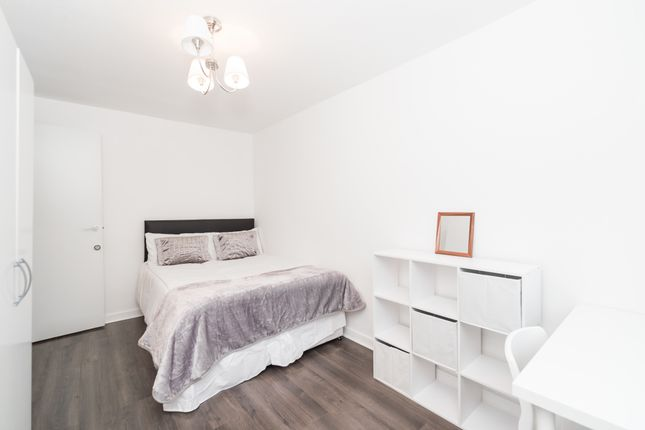 Room to rent in Tavistock Cres, Notting Hill, Central London