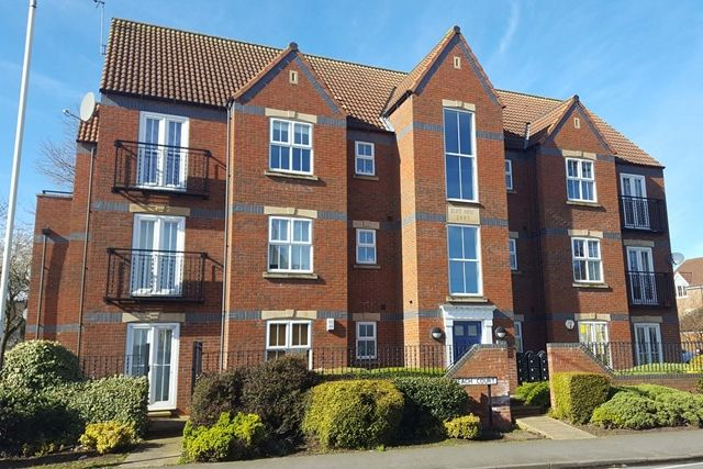 Thumbnail Flat for sale in Wolfreton Road, Anlaby, Hull