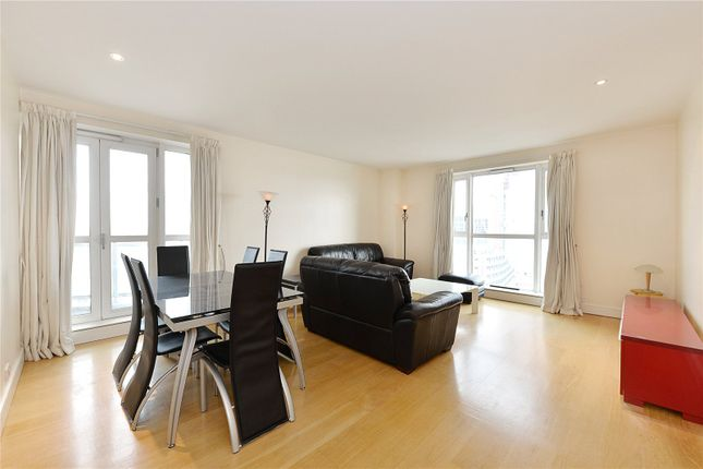 Thumbnail Flat to rent in Berkeley Tower, 48 Westferry Circus, London