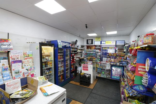Thumbnail Retail premises for sale in Newsagents HU3, East Yorkshire