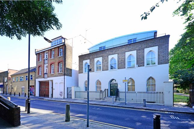 Thumbnail Property for sale in St Matthews Row, Shoreditch
