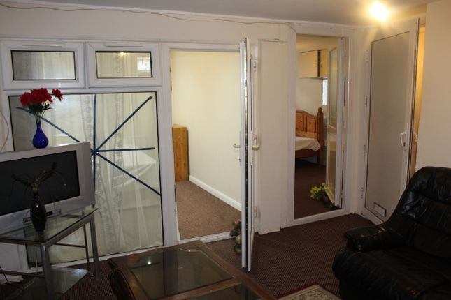 Thumbnail Semi-detached house to rent in Regina Road, Southall
