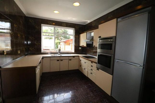 Thumbnail Property to rent in Ridge Road, Winchmore Hill