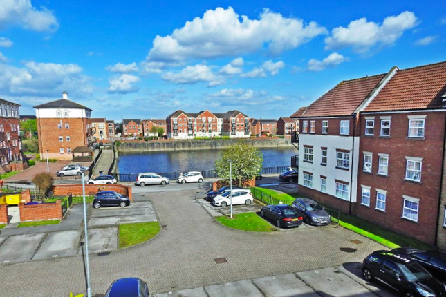 Thumbnail Flat to rent in Plimsoll Way, Victoria Dock