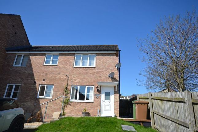 Thumbnail Flat for sale in Pidwelt Rise, Pontlottyn, Bargoed