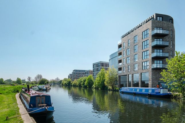 Picture No. 12 of Hunts Wharf, Leaside Road, London E5