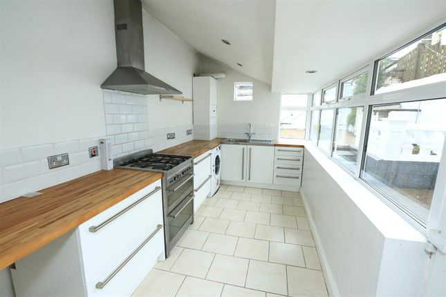 Ab2A1290 of Endsleigh Park Road, Peverell, Plymouth PL3