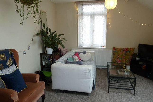 Thumbnail Flat to rent in St. Johns Road, Exeter